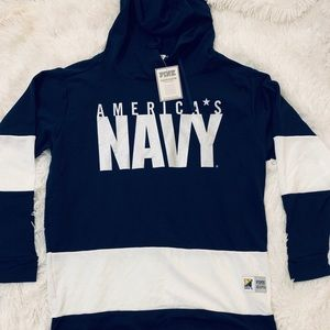 ❄️New Victoria secret Pink Navy sweater❄️